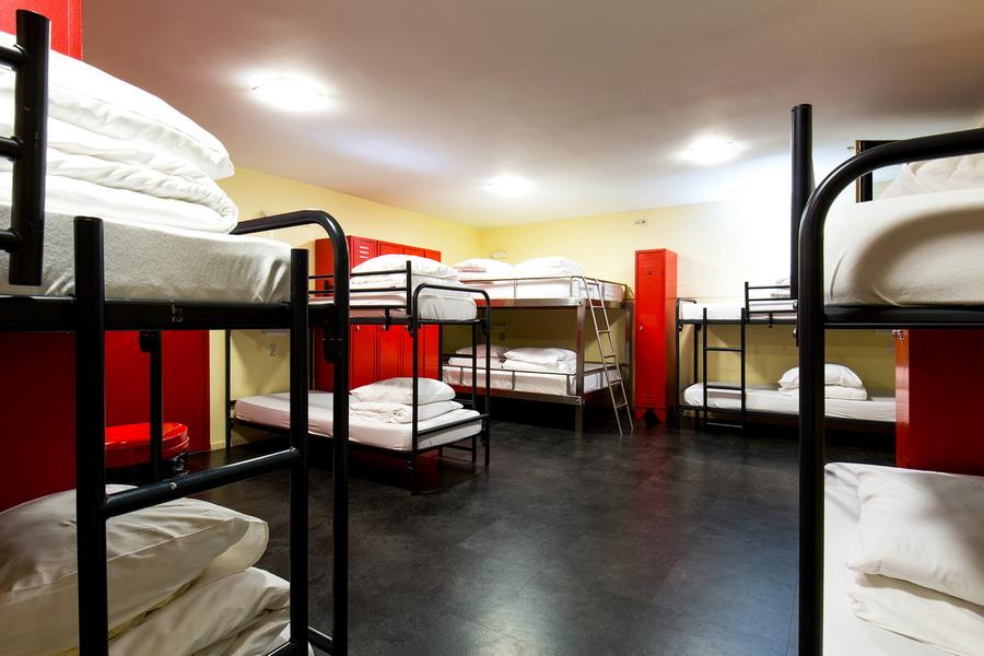 dorm rooms the bulldog hotel amsterdam